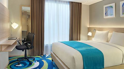 Holiday Inn Express Diskon 20% BCA