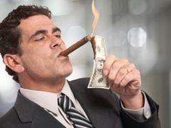 5 Ciri Keuangan Sedang Bermasalah. Apakah Anda Termasuk?