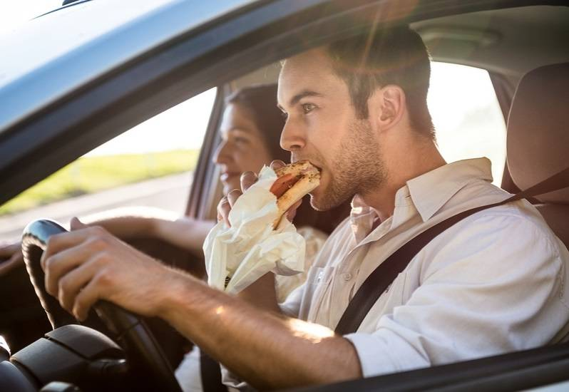 Bawa Makanan Dan Minuman via autobytel.com