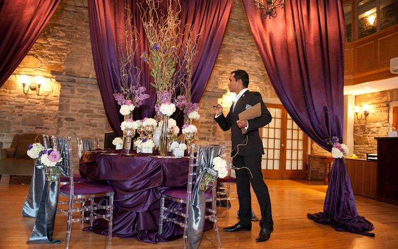 Petugas Wedding