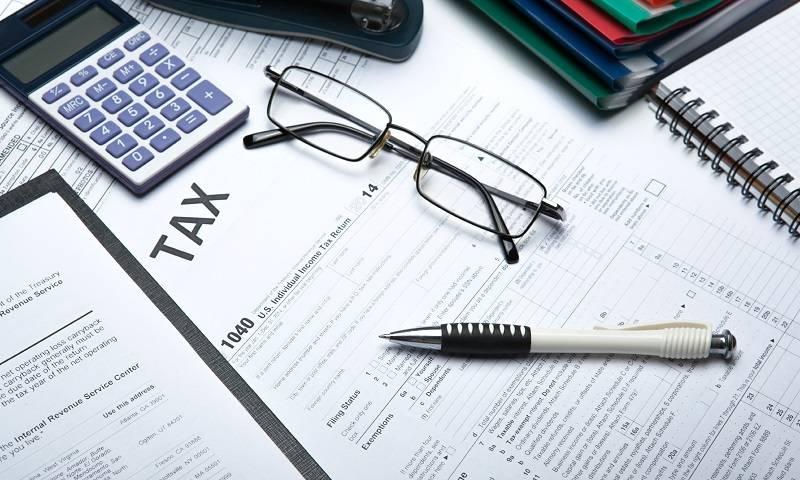 membayar pajak