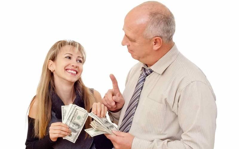 Meminjam Uang ke Keluarga atau Teman Dekat